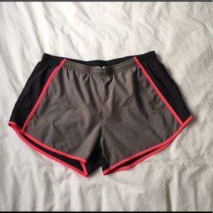 Women's medium Nike Dri-Fit gym running shorts M